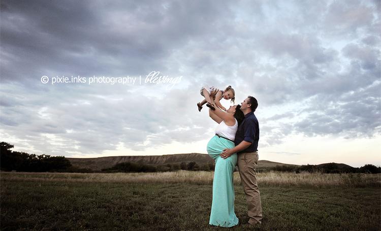 medicinehatphotographer2016-maternityandria3
